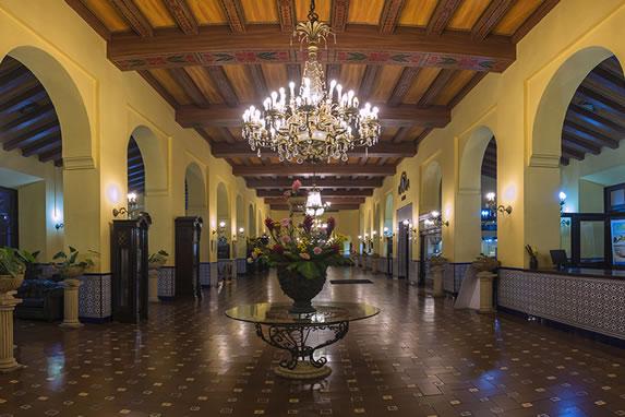 Recepción del hotel Nacional