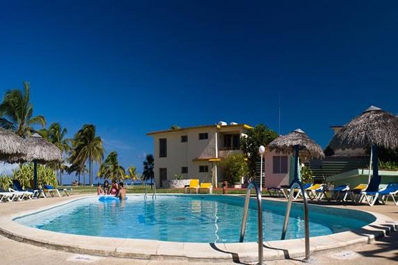 Villa Kawama hotel pool