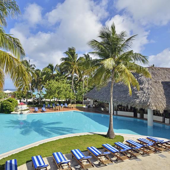 Pool at the Melia Las Americas hotel