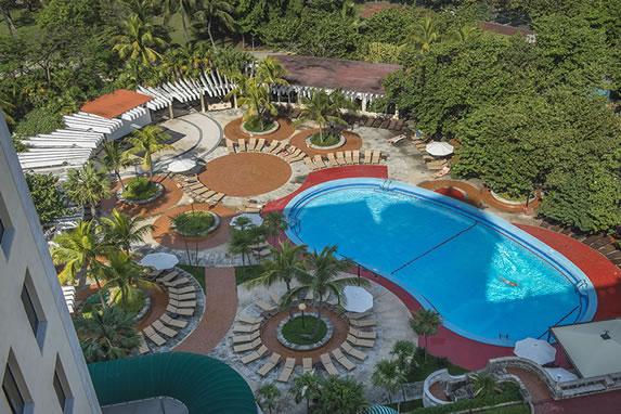 Vista aérea piscina del hotel Nacional