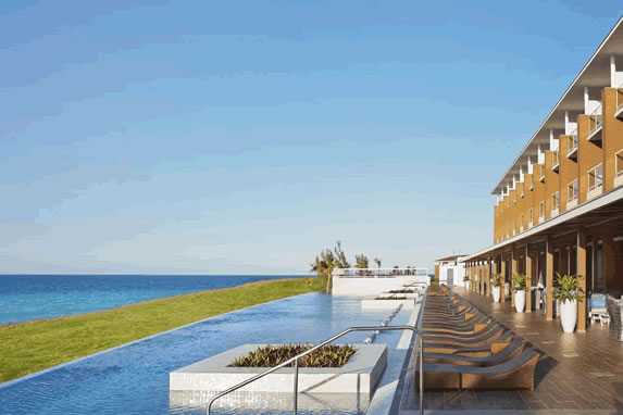 Infinity pool at the Playa Vista Azul hotel