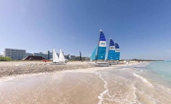 Vista de la playa del hotel