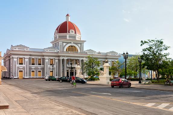 Plaza de Armas en Cienfuegos