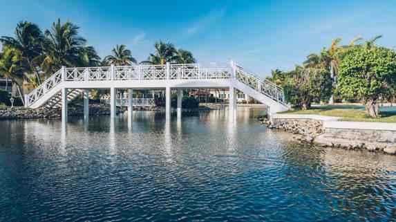 Bridge inside the Playa Alameda hotel