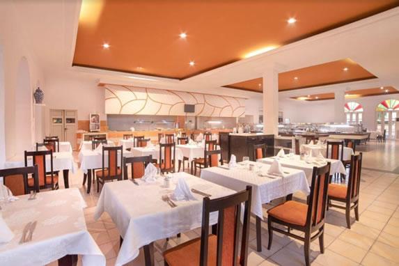 Restaurant at the Roc Barlovento hotel