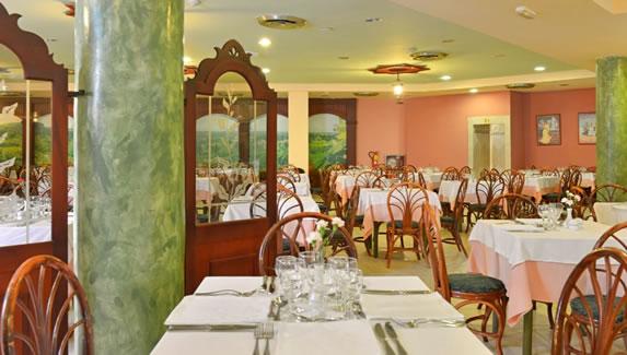 Iberostar Tainos hotel restaurant