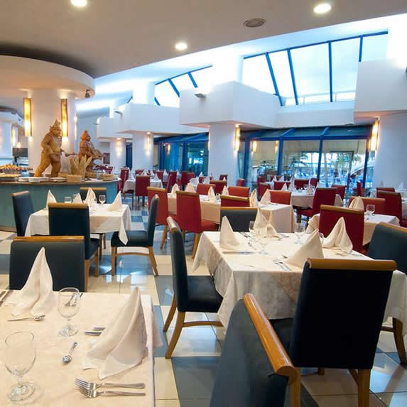 Acogedor restaurante del hotel Panorama