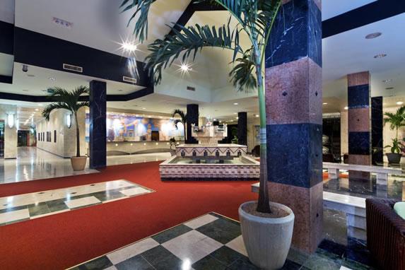 Vista lobby del hotel