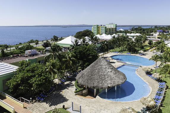 Aerial view of the pool of the hotel Palma real