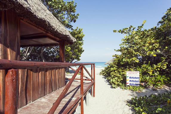 Hotel Turquesa beach bar