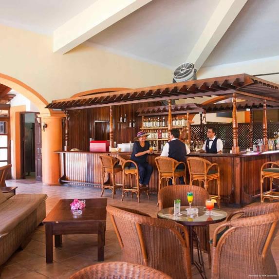 Cuatro Palmas hotel bar