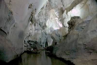 Del indio Cave, Viñales, Cuba