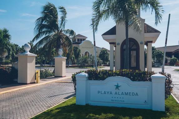 Entrance to the Playa Alameda hotel