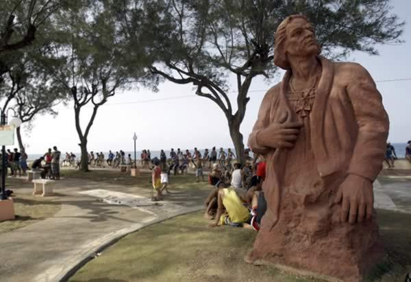 Estatua a Cristobal Colon, Baracoa, Cuba