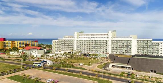 Fachada del hotel Melia Internacional