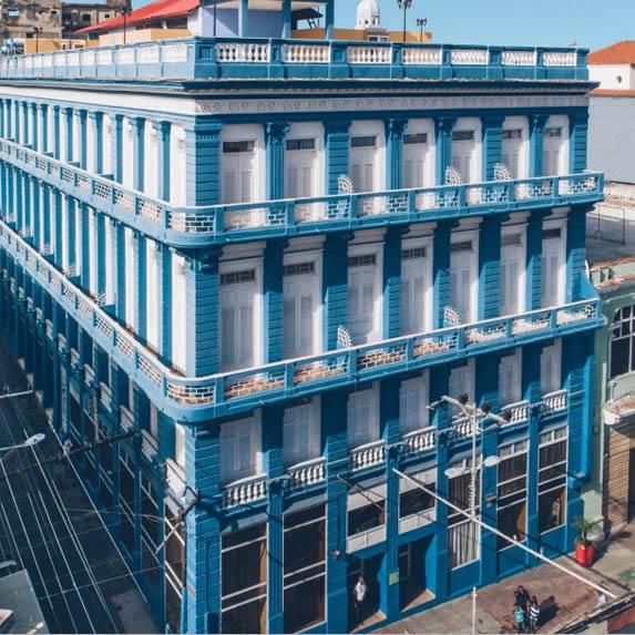 colonial hotel facade