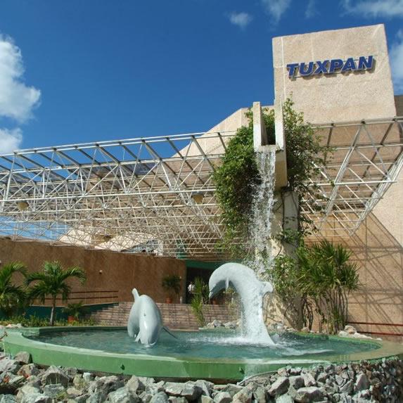 Vista de la  fachada del hotel Tuxpan en Varadero