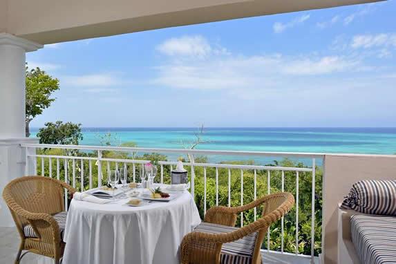 balcón de la habitación con vista al mar
