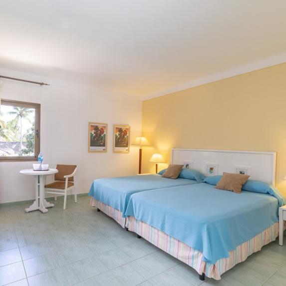 Roc Arenas Doradas hotel room