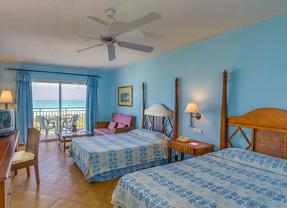 two-bed room with balcony and sea view