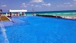 Infinity pool view facing the ocean side