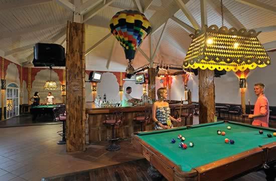 Hotel Sol Cayo Largo Billiards table