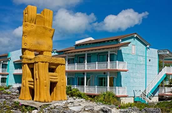 Hotel Sol Cayo Largo chair statue