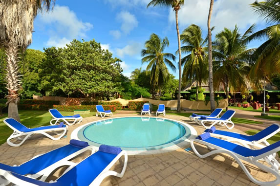 Outdoor Jacuzzi at the Iberostar Tainos hotel