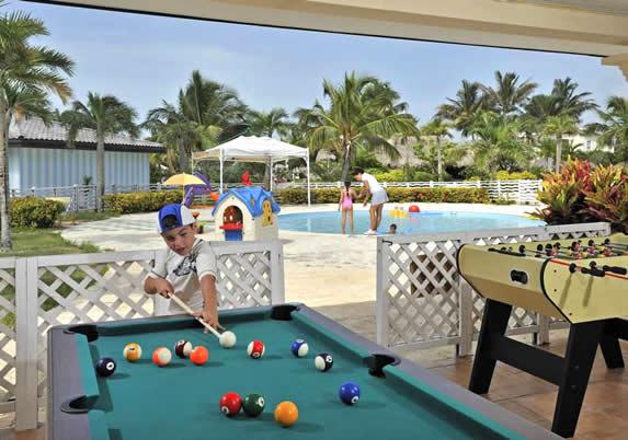 children's pool with children's games