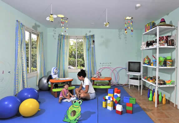 living room with children's decoration and toys