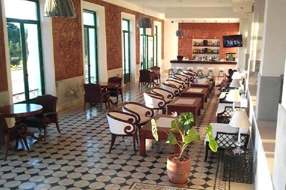 Vista del lobby del hotel La Popa