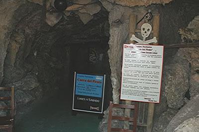 La Cueva del pirata cabaret , Varadero,Cuba