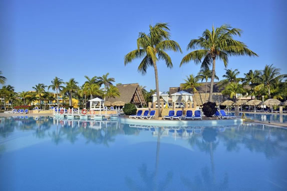 View of the  pool of the hotel Las Antillas