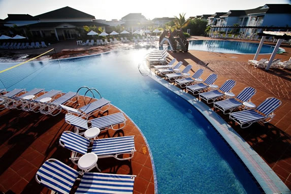 Pool with sun loungers at the Patriarca hotel