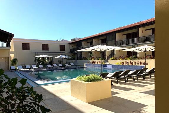 Piscina del hotel La Popa