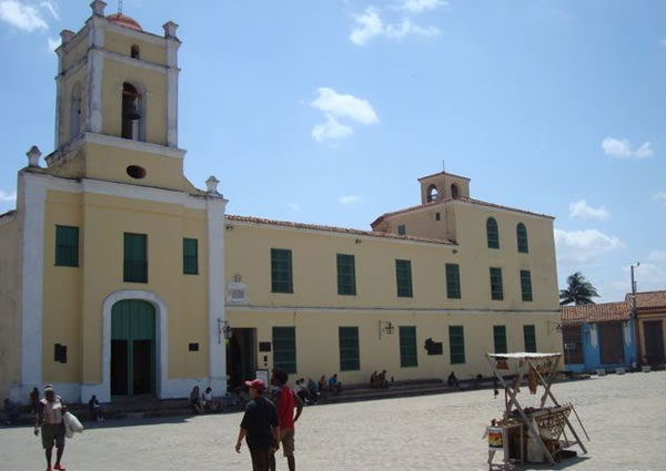 Plaza San Juan de Dios, Camaguey, Cuba