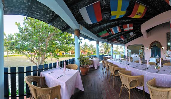 outdoor restaurant under wooden roof