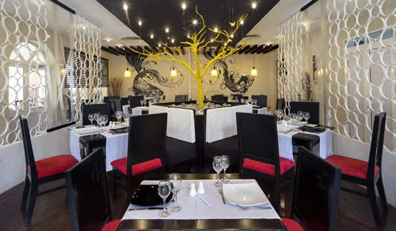 restaurant with red and black decoration