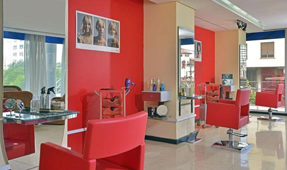 Salón de belleza en el interior del hotel