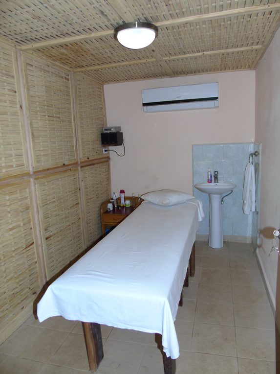 massage room with spa table