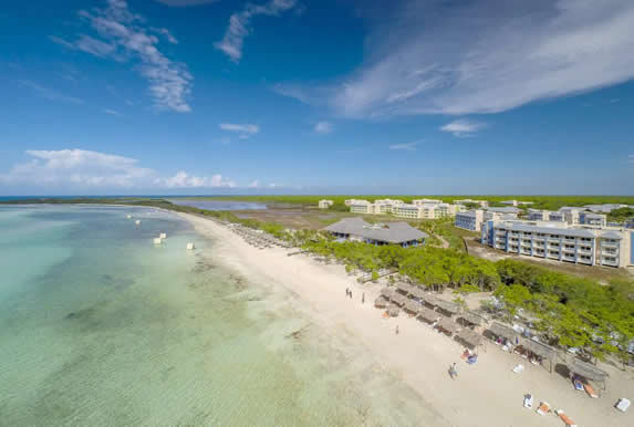 vista aérea del hotel junto al mar