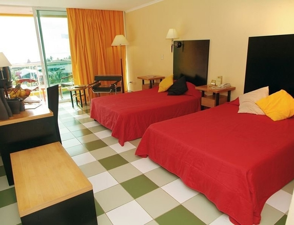 Separate beds in hotel room